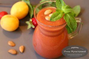 Смузи из абрикосов и клубники