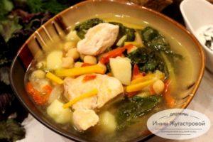 Суп с нутом и шпинатом