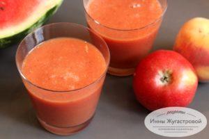 Смузи из арбуза, яблока и персика