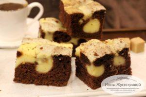 Шоколадный бисквит с творожной заливкой