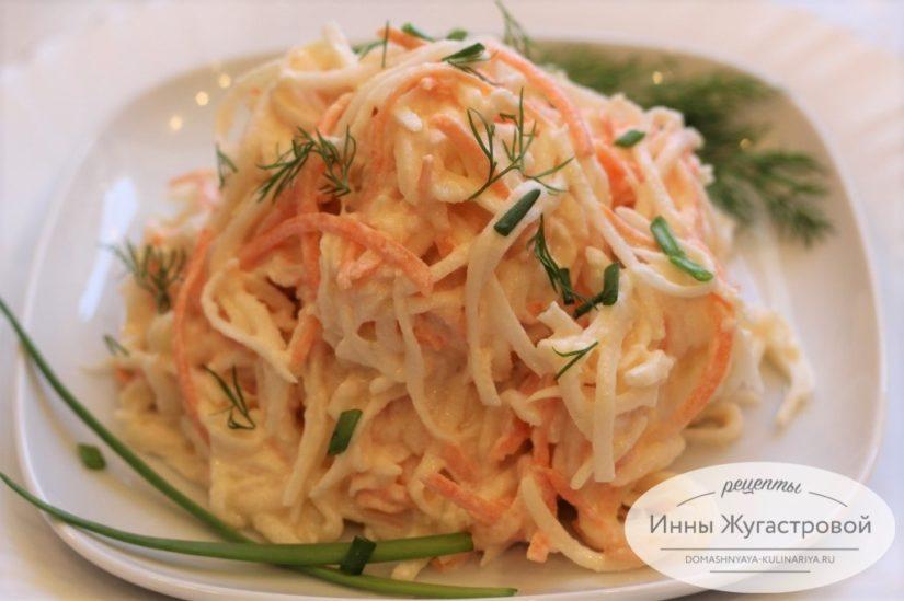 Салат из редьки дайкон с морковкой и картошкой