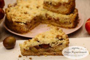 Сливово-яблочный песочный пирог