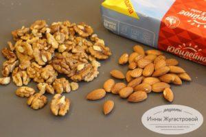 Орехи и печенье