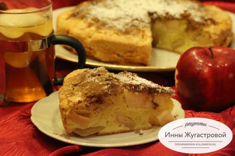 Яблочная шарлотка, простая выпечка на каждый день