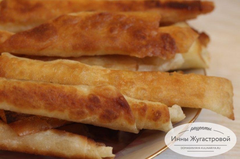 Жареные трубочки из лаваша с сыром, быстрая горячая закуска