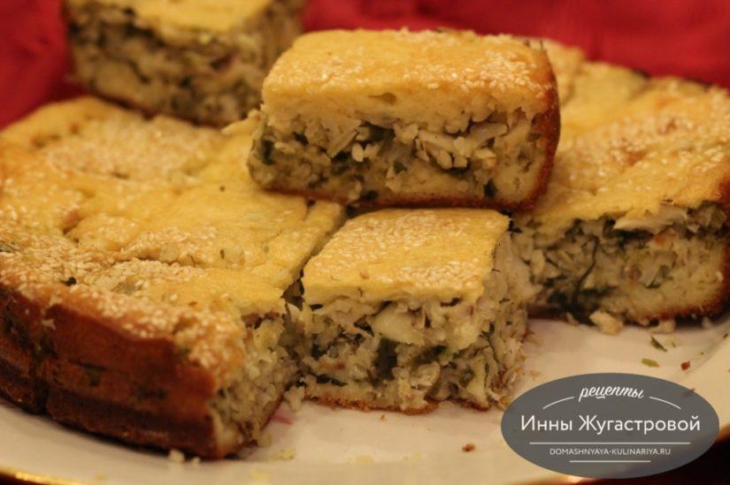 Быстрый рыбный наливной (заливной) пирог с минтаем, рисом и зеленью