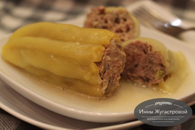 Перец, фаршированный мясом, шампиньонами и геркулесом