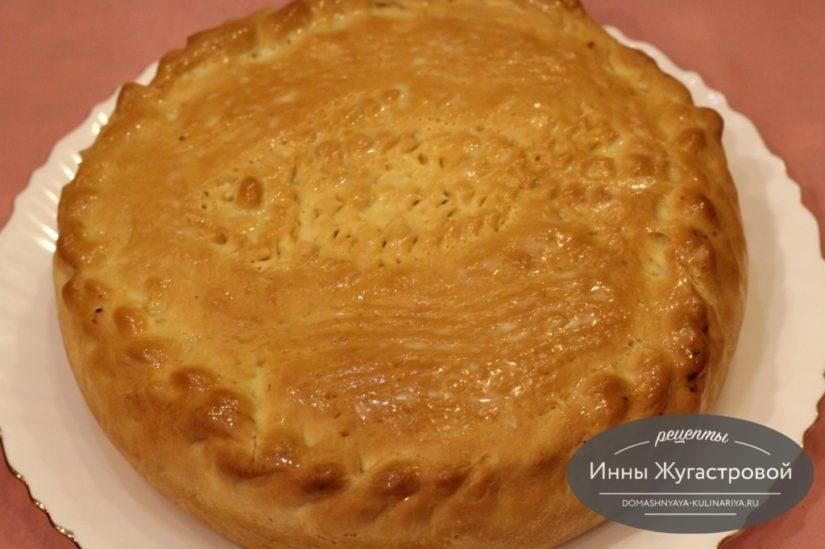 Донской пирог с капустой и икрой сазана