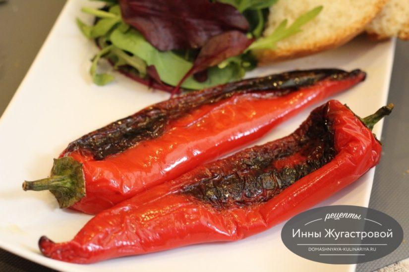 Жареный по-испански целый сладкий перец а-ля падрон