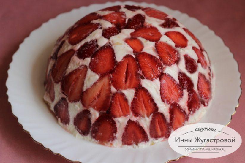 Нежный торт десерт Клубника со сливками из свежей клубники