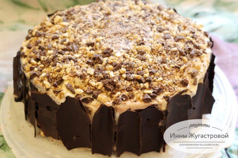 Бисквитный торт Жозефина с изюмом, орехами, шоколадом и сливочно-сметанным кремом