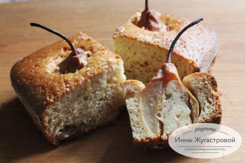 Красивый грушевый пирог с целыми мелкими грушами на скорую руку