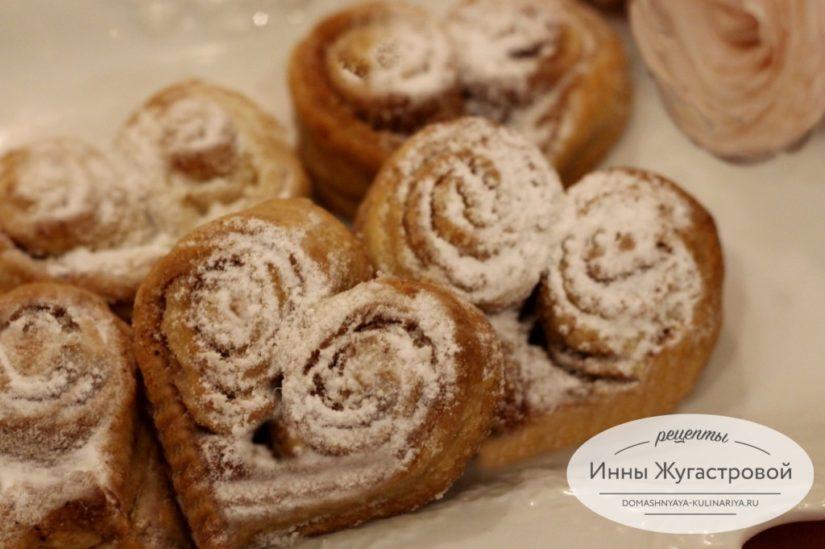 Творожное печенье с корицей Сердечки