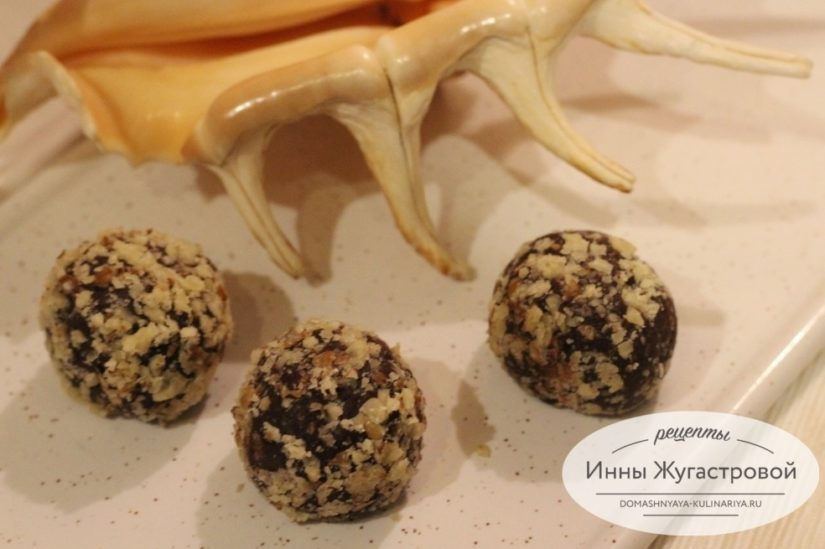 Шоколадные конфеты из бисквитного печенья Савоярди с кофе и ликером