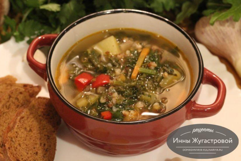 Весенний гречневый суп с щавелем и шпинатом