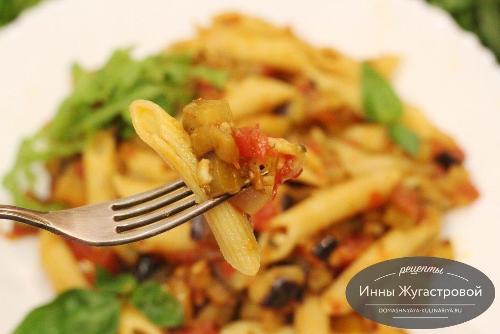 Итальянская паста пенне с овощами