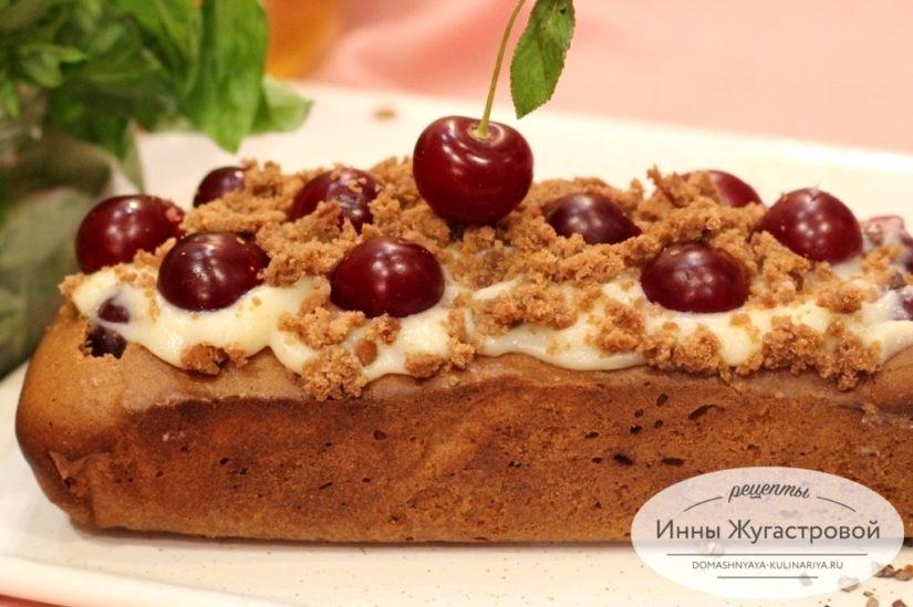 Шоколадный пирог с вишней и заварным кремом из кекса