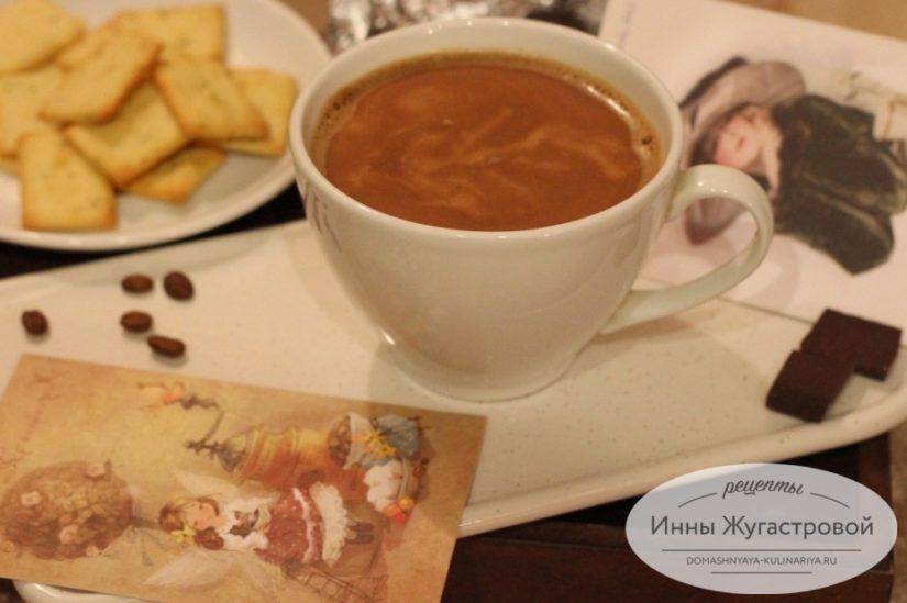 Кофе капучино с шоколадом в турке, домашний кофейно-шоколадный коктейль