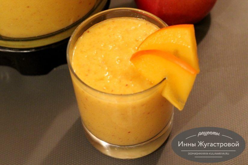 Веганский смузи-боул из хурмы, яблок и апельсина