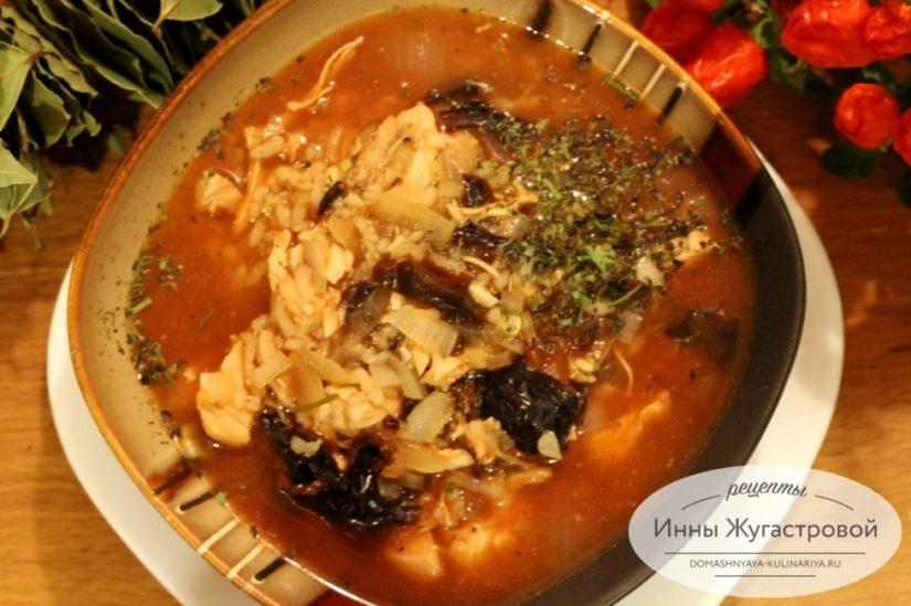 Харчо из курицы с черносливом и томатной пастой, густой, ароматный, сытный, легкий