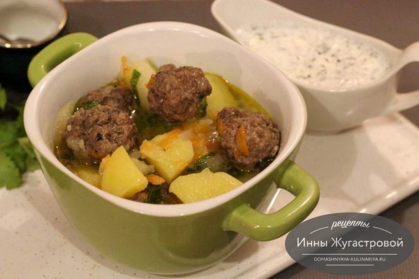 Картофельный соус (гуляш) с фрикадельками, вкусный, густой, сытный и ароматный
