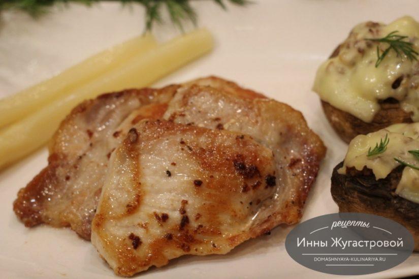 Жареная свинина, самый простой рецепт приготовления на сковороде