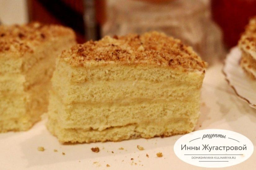 Апфельмусс (Apfelmus), нежнейший бисквитный торт с яблочным кремом