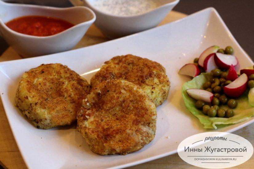 Картофельные котлеты с брынзой на сковороде