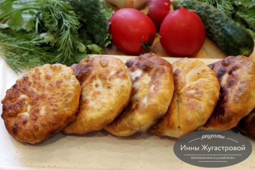 Жареные пирожки с мясом (быстрые хычины) на тесте из горячего кефира без дрожжей