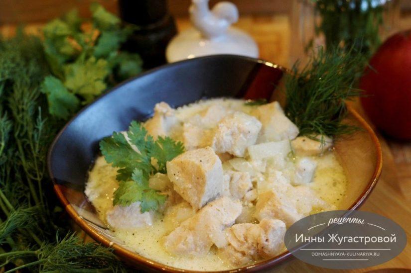 Курица в сметане, сочная и нежная по самому простому рецепту