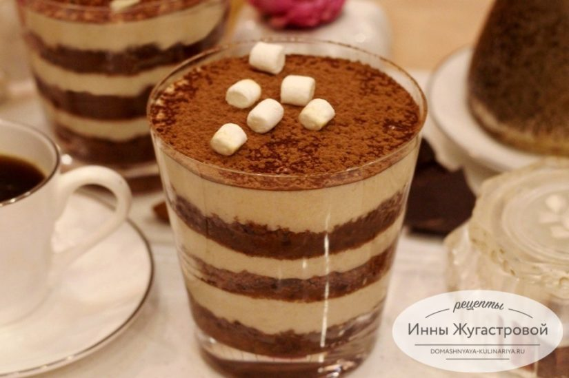 Шоколадный трайфл с банановым кремом, десерт без выпечки из пряников