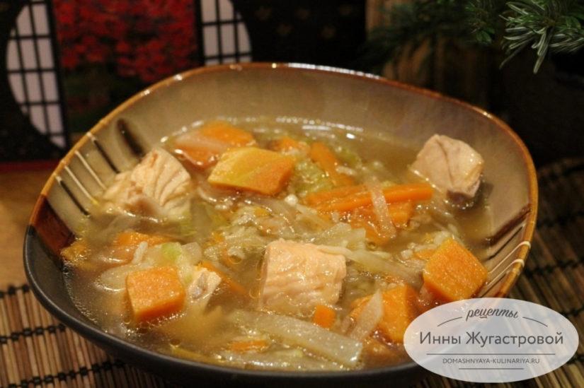 Суп из семги с дайконом, тыквой, рисом и соевым соусом по японским мотивам