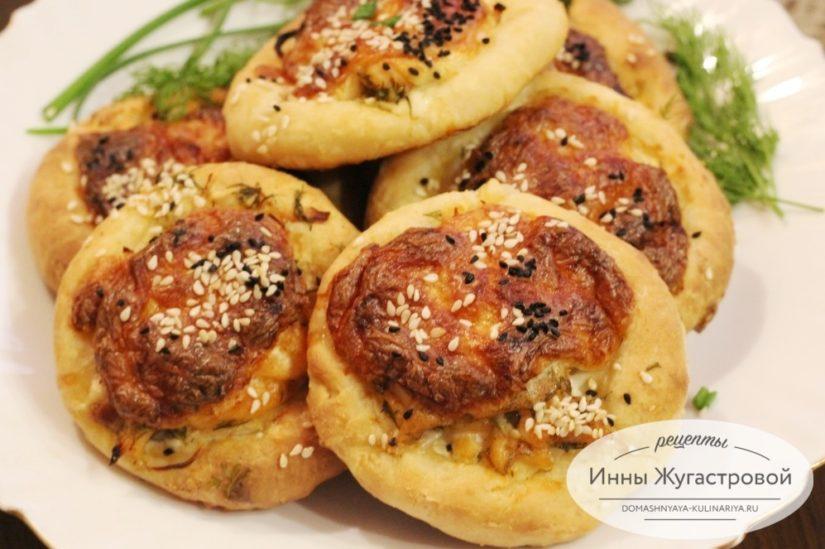 Творожные булочки с семгой (закусочные открытые пирожки с рыбой)