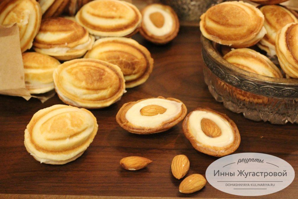 Орешки с кремом пломбир