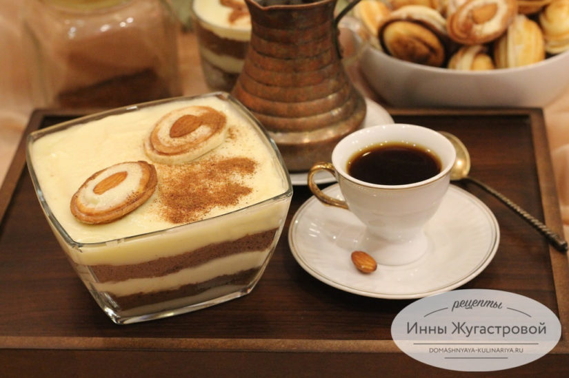 Трайфл из шоколадного печенья с кремом пломбир, слоеный десерт без выпечки