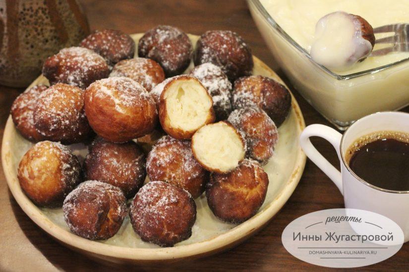 Пончики-шарики, пышные и румяные, с заварным кремом. Тесто для пончиков в хлебопечке