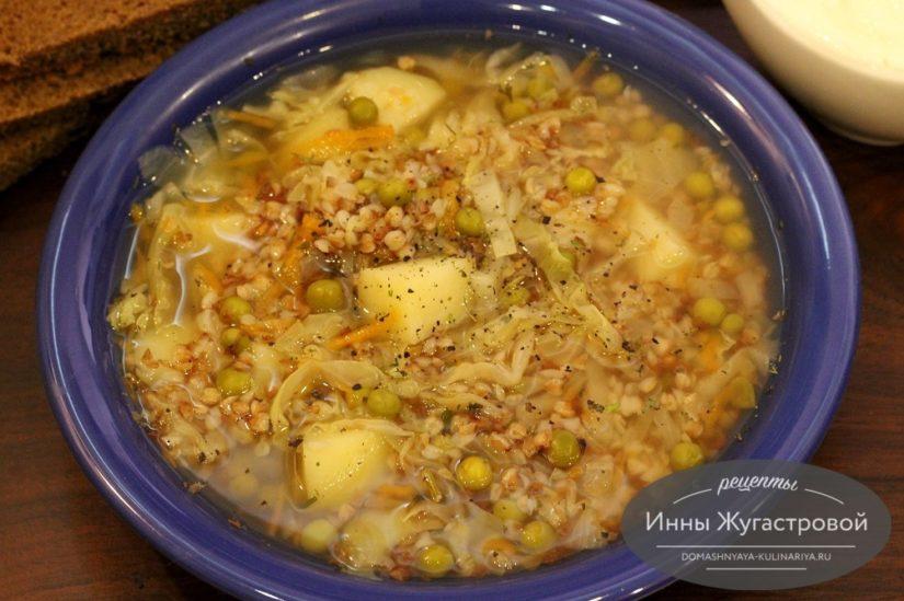 Гречневый суп с капустой и горошком без обжарки