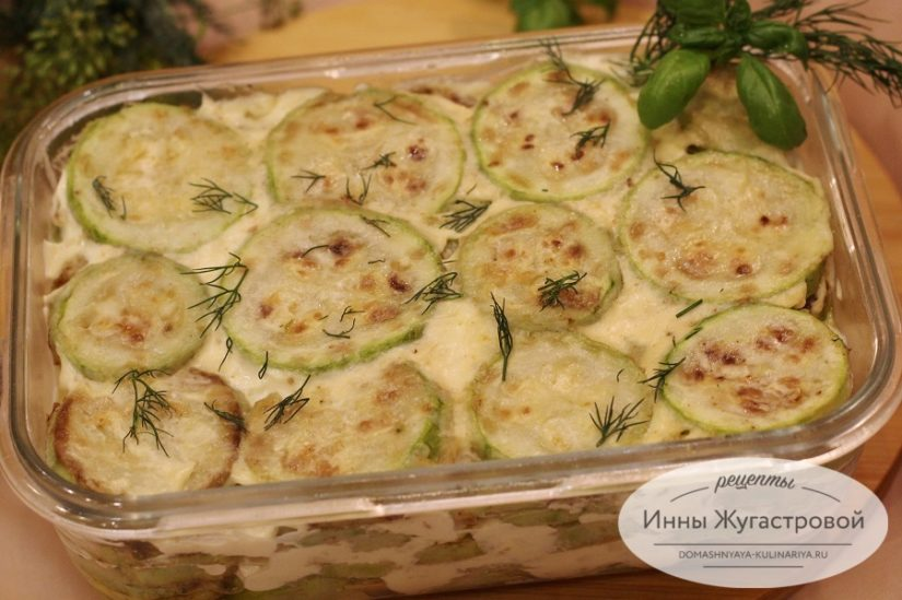 Жареные кабачки, слоеный кабачковый салат с чесночным соусом