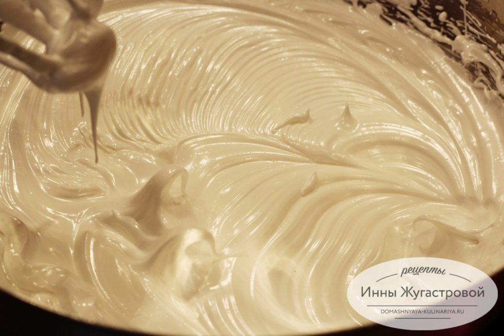 Швейцарская меренга для лимонного торта